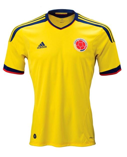 09d0207057c1f Esta nueva camiseta de la selección colombiana lleva el estilo que vimos ya  con España y Argentina