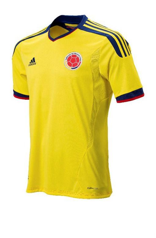 Esta nueva camiseta de la selección colombiana lleva el estilo que vimos ya  con España y Argentina 226748d3f5891