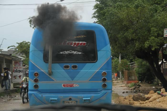 Resultado de imagen para camiones contaminacion