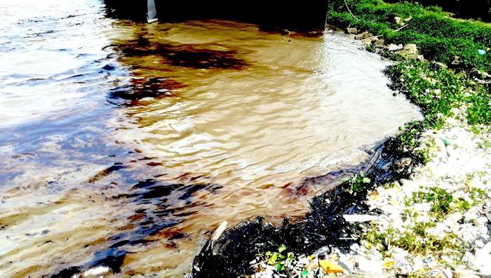 50 galones de combustible caen al río Magdalena tras intento de atraco