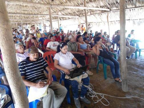 Audiencia en la que participaron los habitantes de Las Margaritas y representant