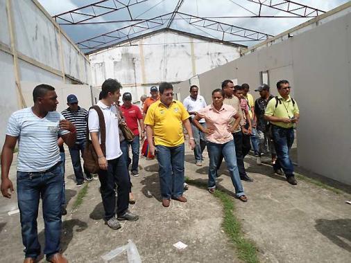 Recorrido del gobernador Alberto Bernal Jiménez por los albergues que se constru