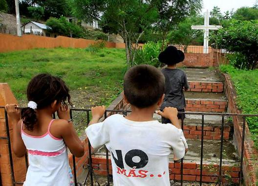 El Salado nunca se ha recuperado de la masacre ocurrida en el 2000.