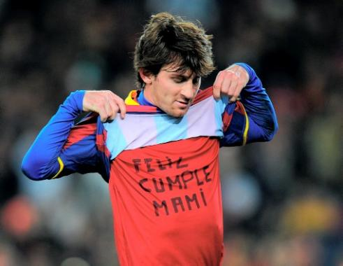 Messi sancionado por letrero en su camiseta.