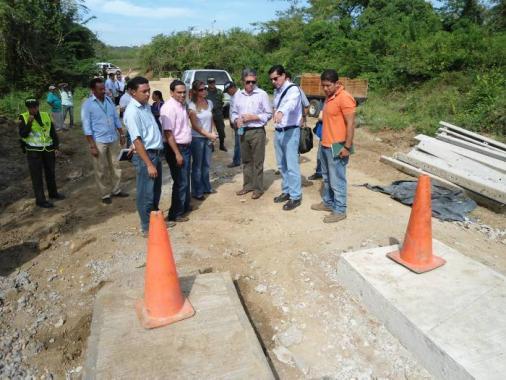 El ministro de Transporte, Germán Cardona Gutiérrez, inspeccionó ayer los trabaj