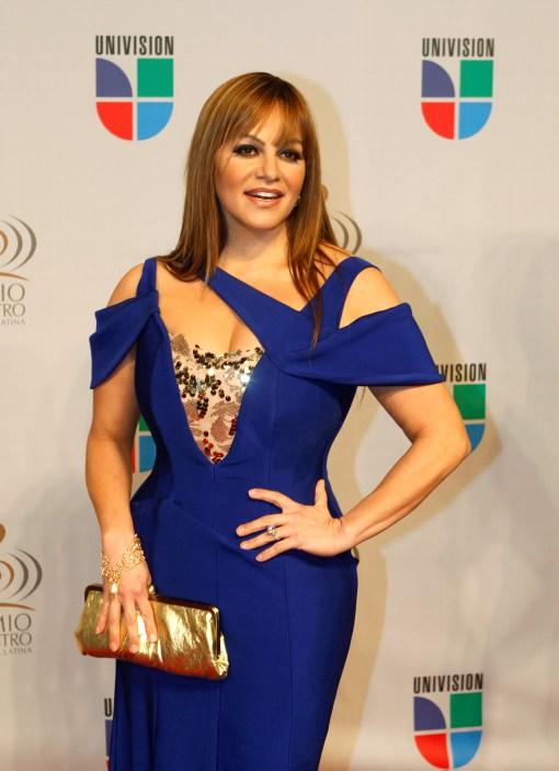 Jenni Rivera y Esteban Loaiza con estrellas en Paseo de la Fama