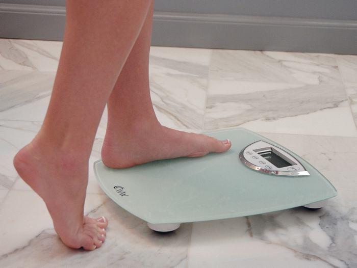 Obesidad baja en entre adolescentes ricos y sube entre pobres