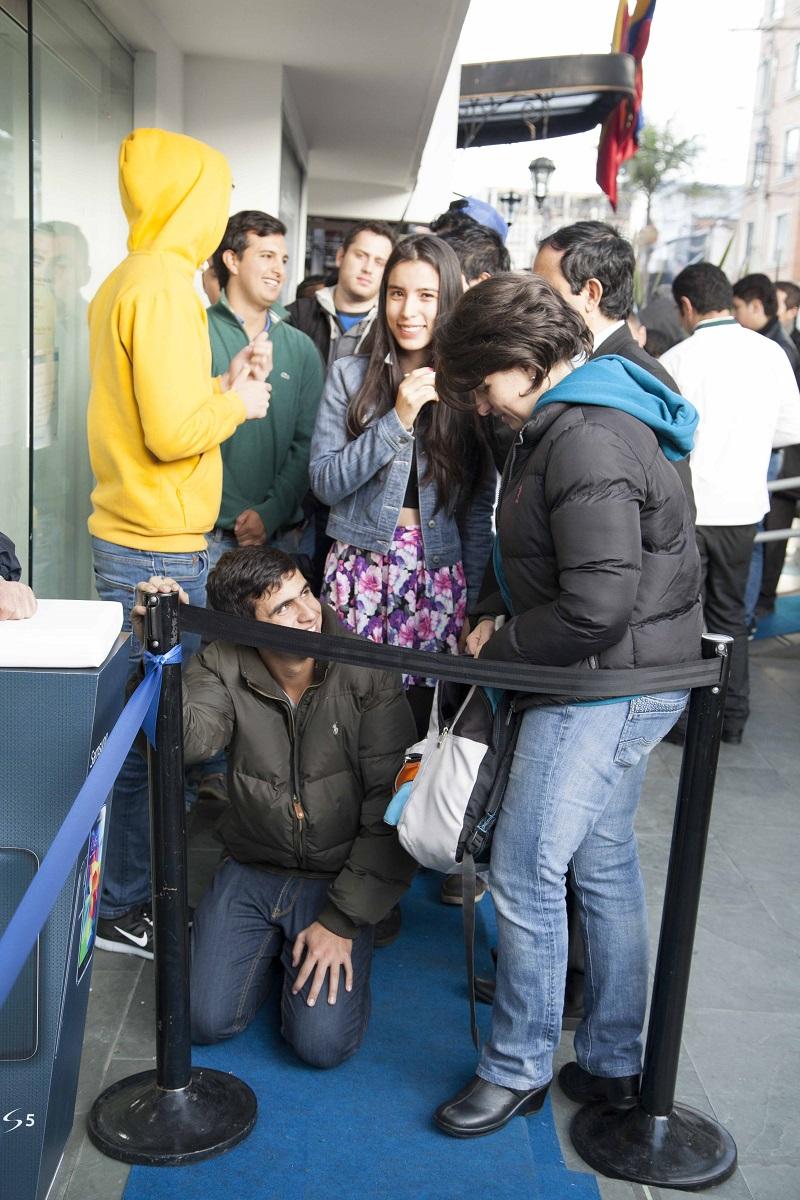 Alejandor Copo Primeros en la fila Samsung COlombia