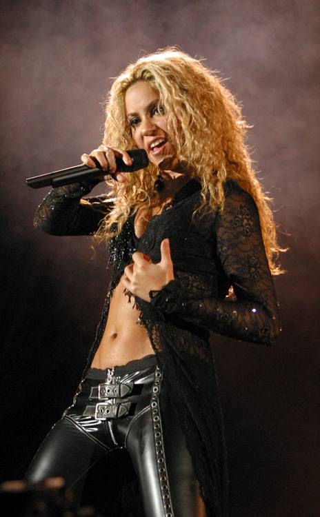 Shakira im Playboy gefunden #13