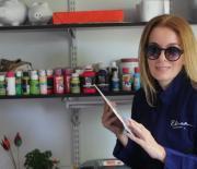 Elsa Marina Losada en su estudio de arte