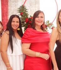 Eliana Hernández, Indira Ochoa; la cumplimentada, Margarita Samra y Ella Núñez.
