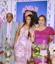 Orlando Martínez Herrera, la cumplimentada, Gina Martínez Polo; y Blanca de Martínez