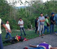 Rosiris López Ramos, la mujer que resultó herida, fue auxiliada por una ambulancia.  PIE DE FOTO 2: