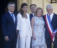 En la imagen, el presidente de Argentina, Mauricio Macri (i), y su esposa Juliana Awada (2-i), son junto al presidente chileno, Sebastián Piñera (d), y su esposa, Cecilia Morel (2-d).