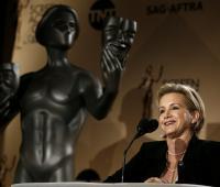 En la imagen un registro de la actriz estadounidense y presidenta del Gremio de Actores de Cine (SAG) y de la Federación Americana de Artistas de Radio y Televisión (AFTRA), Gabrielle Carteris.