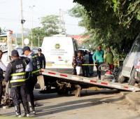 Van arrolla a varios mototaxistas en Mamonal. Un muerto y varios heridos.