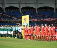 América y Cali durante el himno nacional previo al clásico vallecaucano. Liga Águila I. 2018.