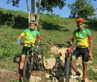 Marcos Hernández y Diego Ochoa, promesas del ciclomontañismo de Bolívar.
