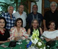 De pie: Fabio Giraldo, Alonso Franco, Jesús Castañeda y Jorge Vargas; sentadas: Leonor de Giraldo, Amparo Álvarez, Mábel Angulo y Edith Serge.