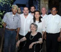 Atrás: Haroldo Rodríguez, Karel Pitro, Santiago Rizo Delgado, Santiago Rizo Verbel, Mercedes Rizo, Jaro Pitro y el padre Rafael Castillo: adelante: Carmencita Delgado de Rizo.