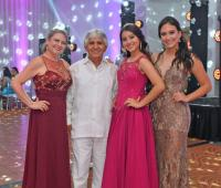 Ana Lucía Acevedo, Óscar Ospina, Isabella Ospina y Aura Lucía Ospina