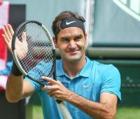 Roger Federer durante la semifinal del torneo de Halle, 2018.