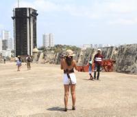 Edificio Aquarela visto desde el Castillo de San Felipe.