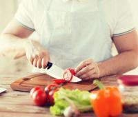 El momento de comer es importante y muestra que hacerlo en horas tardías afecta a la salud