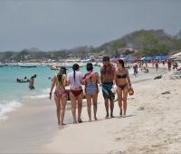Bañistas en Playa Blanca