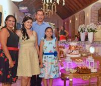 Ana Gabriela Ruiz Lozano, Antonio José Ruiz, Katya Lozano y Mariana Ruiz Lozano.