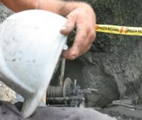 fotografía del casco de un minero