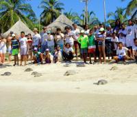 Las tortugas fueron liberadas por niños, niñas y adolescentes de tres grupos ecológicos.
