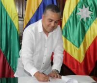 Pedrito Perira durante posesión de alcalde encargado