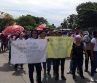 Personas protestando