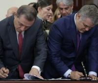 Presidente Iván Duque en la firma de radicado de proyectos