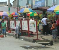 Vendedores ambulantes en el Mercado de Bazurto.