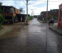 Calle canal del barrio Camilo Torres