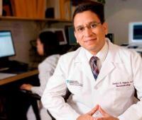 Médico condecorado, Javier Romero.