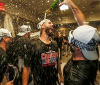 Los jugadores de los Medias Rojas de Boston festejaron a rabiar su pase a la final de la Liga Americana.