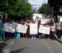 Protesta de los trabajadores de la clínica Maternidad.