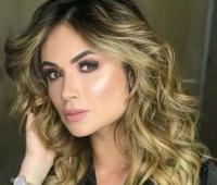 Sara Uribe.