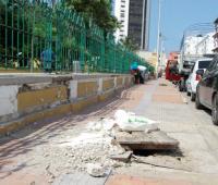 Registro sin tapa en el centro en inmediaciones del Parque Centenario