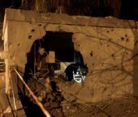 Vista de una casa dañada por un misil disparado desde la Franja de Gaza en la ciudad sureña de Ashkelon (Israel).