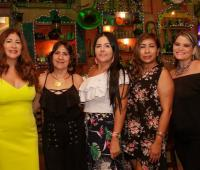 Linda Ramos, Luchy Garcés; la cumplimentada, Ibet Ponce; Libia Margarita Sierra y Marisol Paba.
