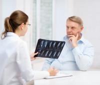 Por ejemplo, la tromboembolia pulmonar, produce llamados de atención que pueden sugerir también enfermedades del corazón o enfermedades de otros órganos que están dentro del tórax.