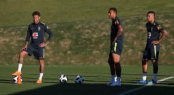 Neymar, Danilo y Gabriel Jesús entrenan este martes 22 de mayo de 2018.