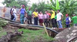 Familias afectadas ´por problemas de deslizamiento y hundimiento de tierras.