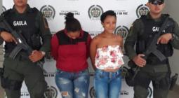 Wendy Johanna Coronado Urieta y Angie Paola Bolaños Rosario, capturadas por extorsión.