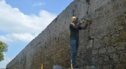 Estudiantes de ETCAR hacen reparaciones en las Murallas. 2016.