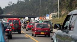 carros en la vía